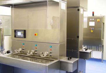 Manual filler for small sterile production